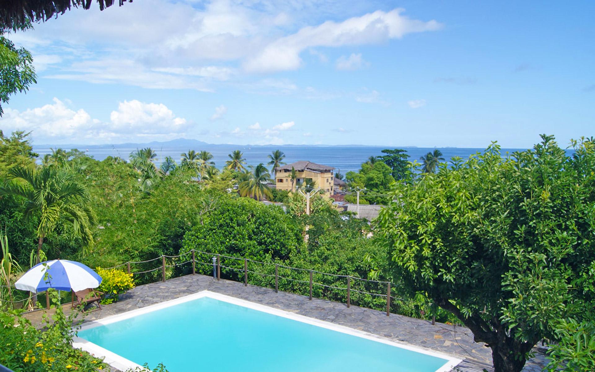 Villa Razambe - Chambre d'hôtes -piscine